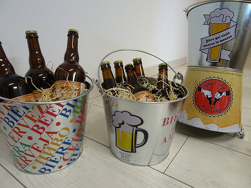 SEAU A BIERES avec ses bières