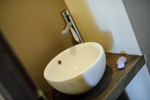 LAVE MAIN WC.jpg