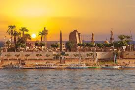 Egypt Swings on Info Tech Pivot