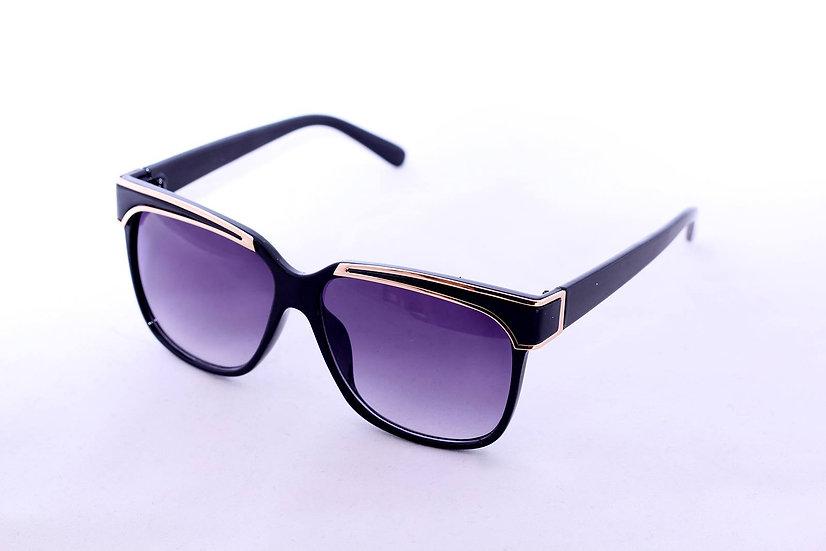 Oversized Gold Border Frames 60s 70s sunglasses Black