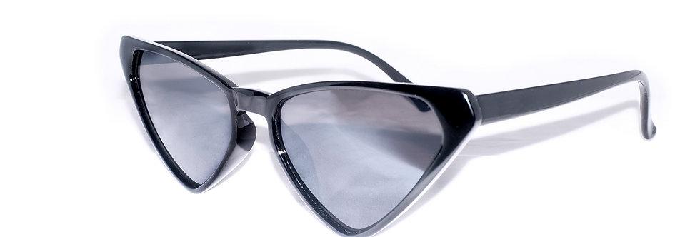 Reina | 70s Triangle Black Suglasses | #dressyourmind