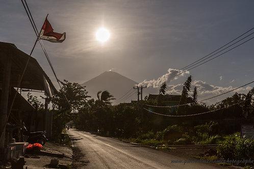 Mont Agung sun