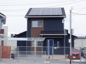 平板瓦屋根に太陽光発電の設置とカーポート取付