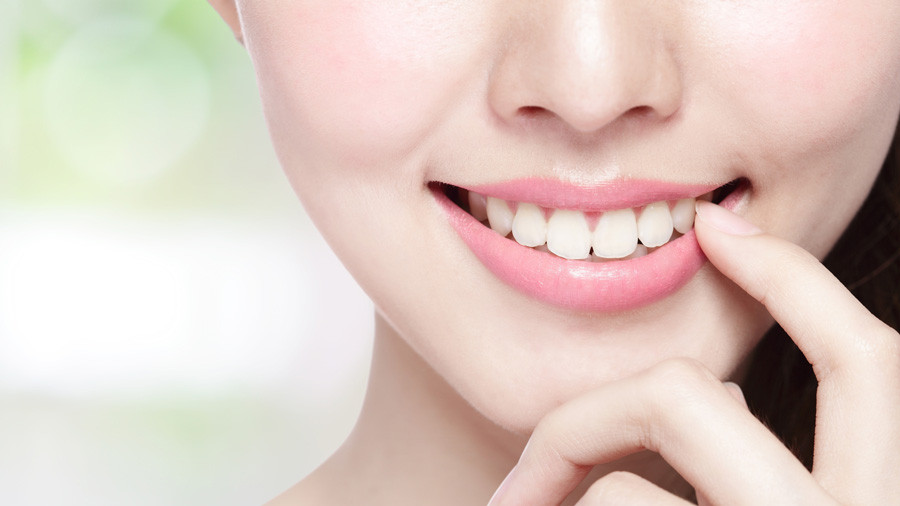 真っ白い健康的な歯