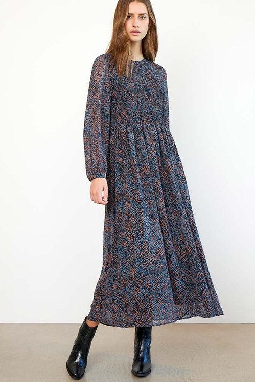 SECOND FEMALE - Movement dress
