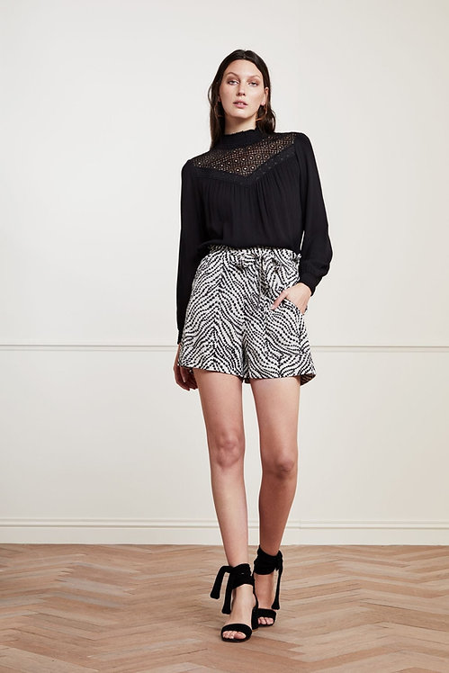 FABIENNE CHAPOT - Olivia String of Hearts Shorts