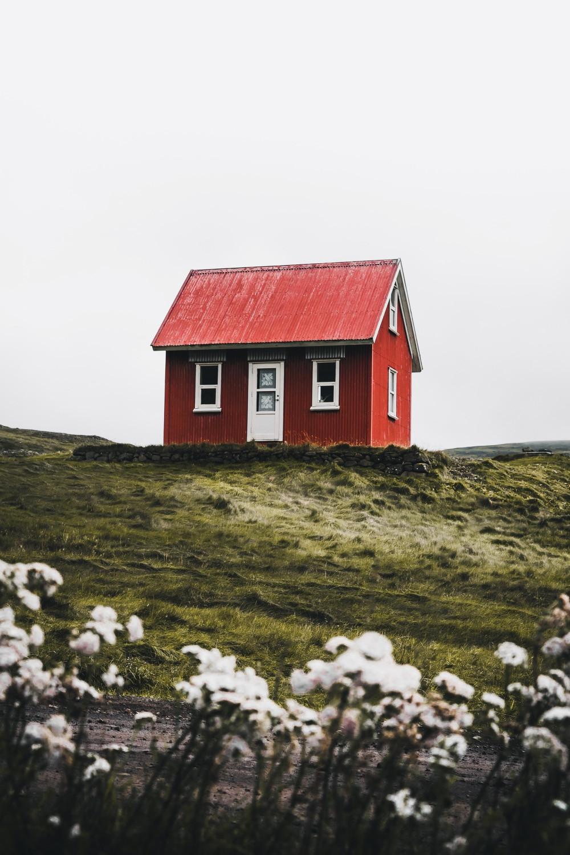Sinnbildlich gesprochen, steht für dieses Haus, auch oftmals unsere eigene Identifizierung. Personifizierung.