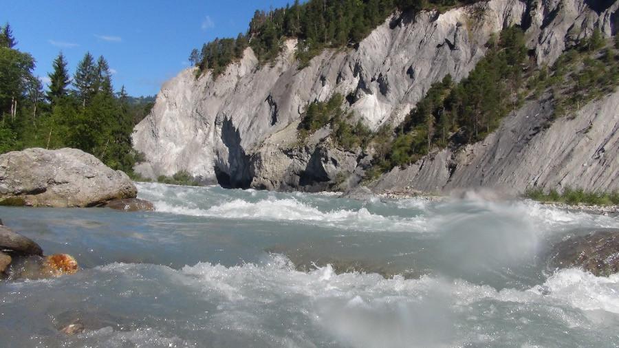 Was es bedeutet ganz im Fluss zu Sein, kannst du eigentlich erst wissen, wenn du dich auf dem Fluss, mit dem Fluss Eins Sein lässt.