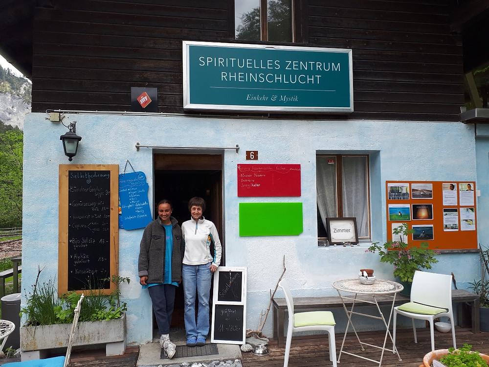 Unser Team im Café zur Einkehr & Mystik im Spirituellen Zentrum Rheinschlicht