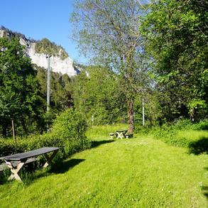 Wiese kleiner Camping im Meditations- und Spirituellem Zentrum Rheinschlucht, GR