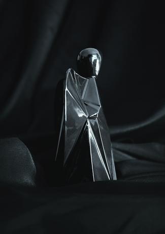 designový anděl z porcelánu černý