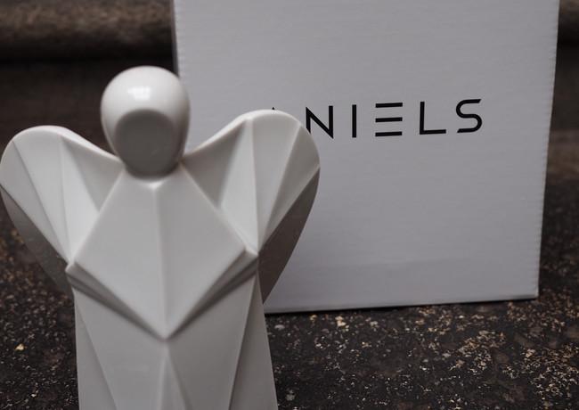 Anděl bílý porcelán krabice