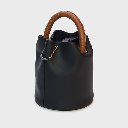 23° Hannah bag - BLACK WITH CROC TAN HANDLE [SAMO ONDOH]