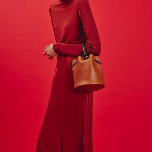 23° Hannah bag - BROWN WITH BLACK HANDLE [SAMO ONDOH]