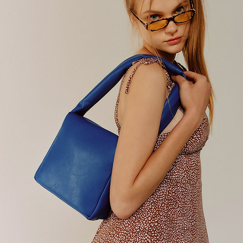 sponge Bag M lambskin - blue 10 SAMO ONDOH
