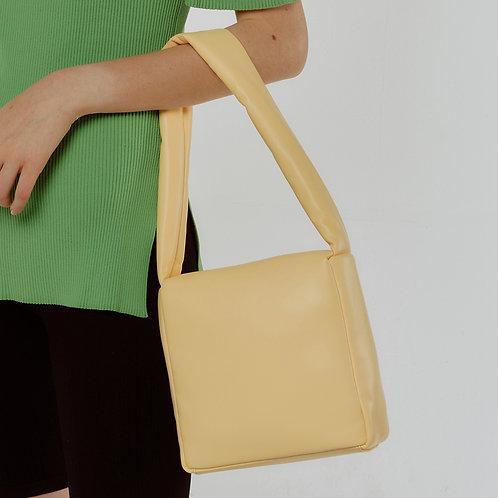 sponge Bag M lambskin - lemon 10 SAMO ONDOH