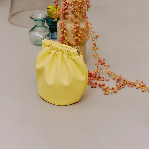 egg bag mini - banana
