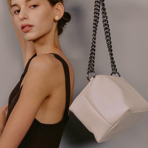box bag M lambskin - cream SAMO ONDOH