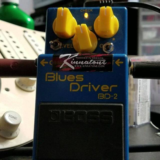 The Kinnatone Blues driver mod in action. Distortion, overdrive and low octave fuzz pick your poison. Playing a Frankenstrat with Seymour Duncan humbucker pickups into a Carvin X100b head into an avatar cab with wgs speakers.  #wgsspeakers #bossblues
