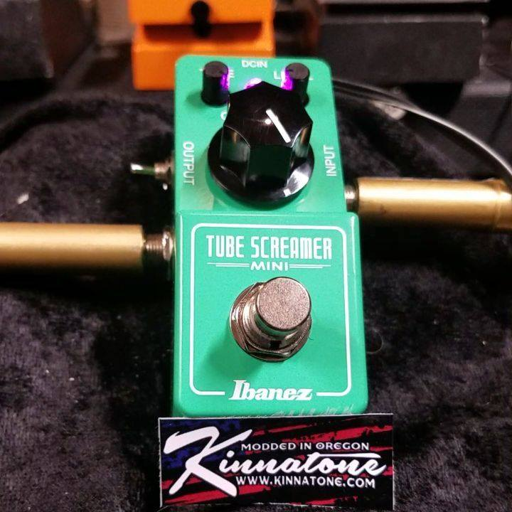 Ibanez Mini Tube Screamer modded by Kinnatone With my mod I give you LED and Silicon Diode clipping,pink led, and I beef it up a little. #minitubescreamer #guitarlife #ts9mods #ibanez #pedaleffects #pedalboard #geartalk #gearacquisitionsyndrome