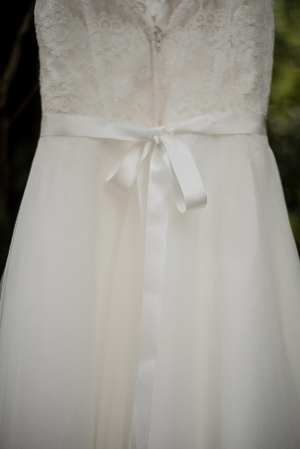 wedding dress, bow
