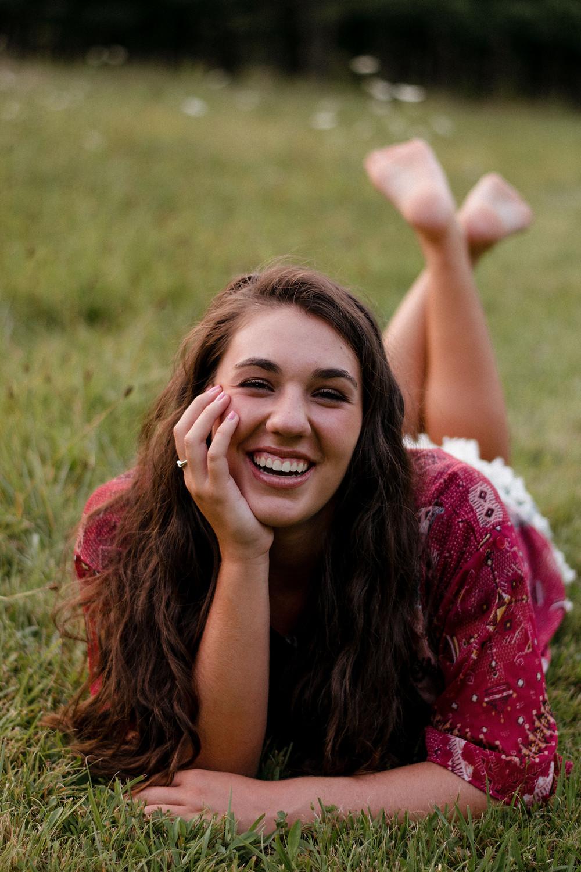 Senior Portrait, Senior portrait photographer, laughing