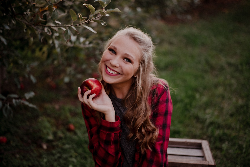 apple orchard photo session cute