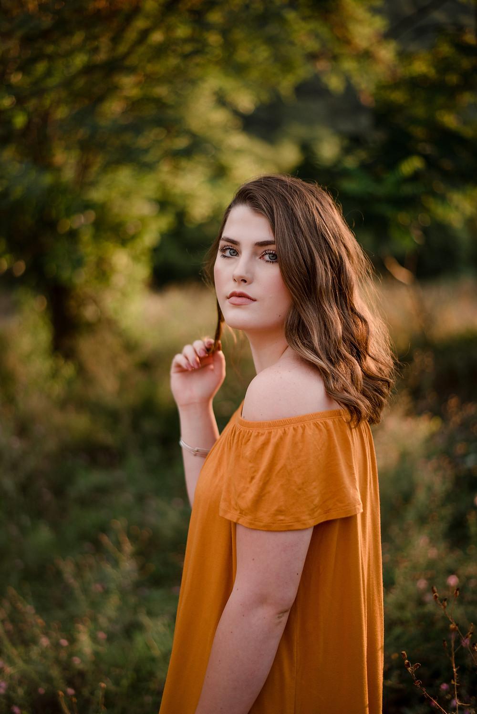 rustic senior session, senior portrait, photographer