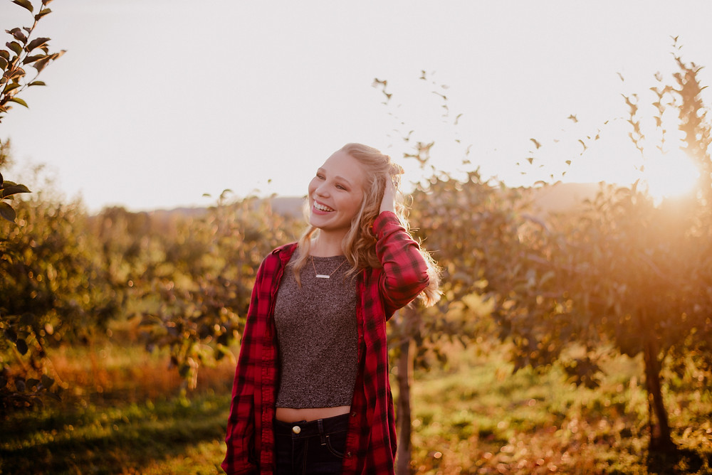 golden hour apple orchard photo session