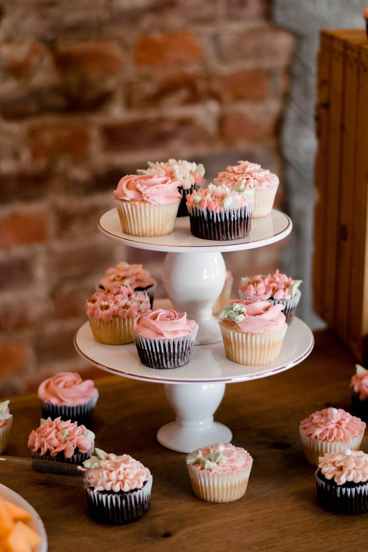 cupcakes, Alabaster coffee, Williamsport PA wedding photographer