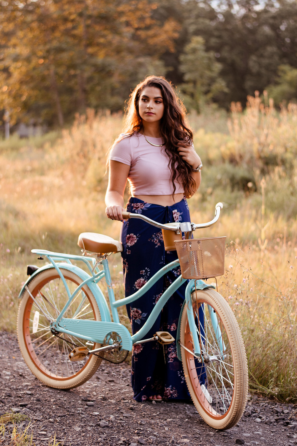 senior session, sunny, senior poses, senior portrait, senior portrait photographer, golden hour, vintage bike