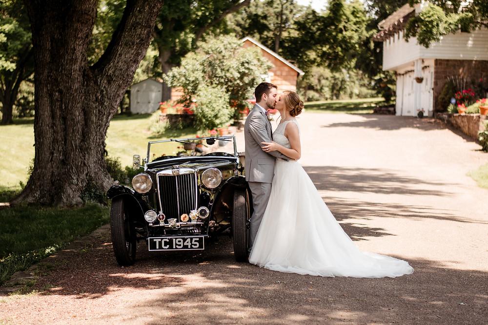 vintage car, wedding portrait, bride and groom, wedding photographer