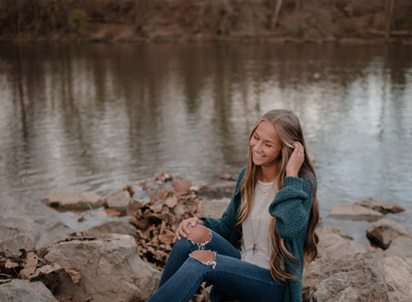 Maecy | Cozy Fall Senior Session