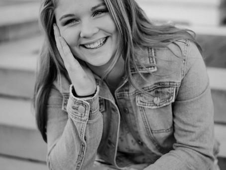 Maddie | Portrait Giveaway Winner