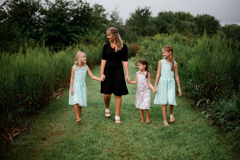 casual family candid, mother and daughters, Pennsylvania family photographer
