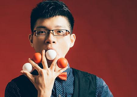 腹語模仿大師 施裕淳 RIC富有創意.台灣最專業魔術經紀公司