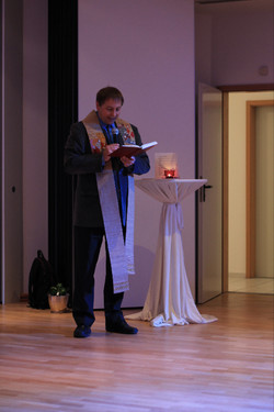 Kath. Pfarrer Hr. Tauchert