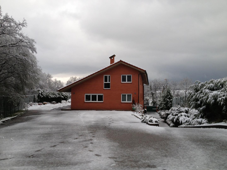 Fachada trasera nevada