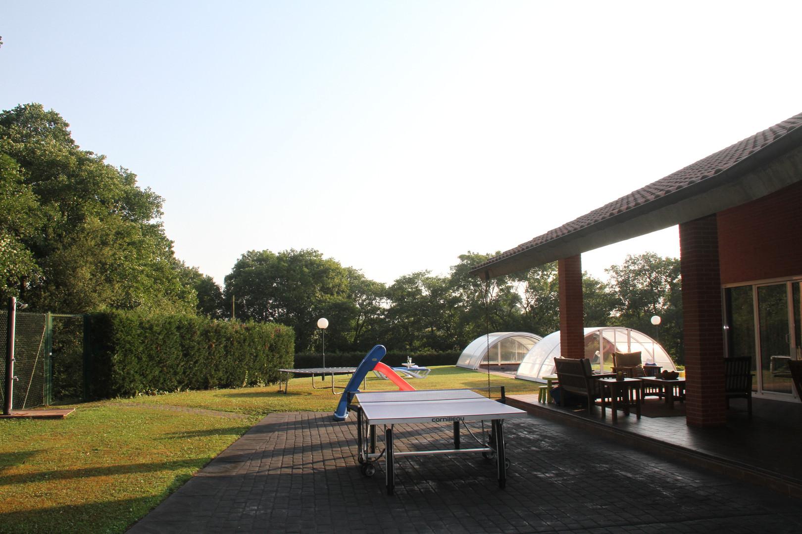 Ping pong/tobogán/cama elástica