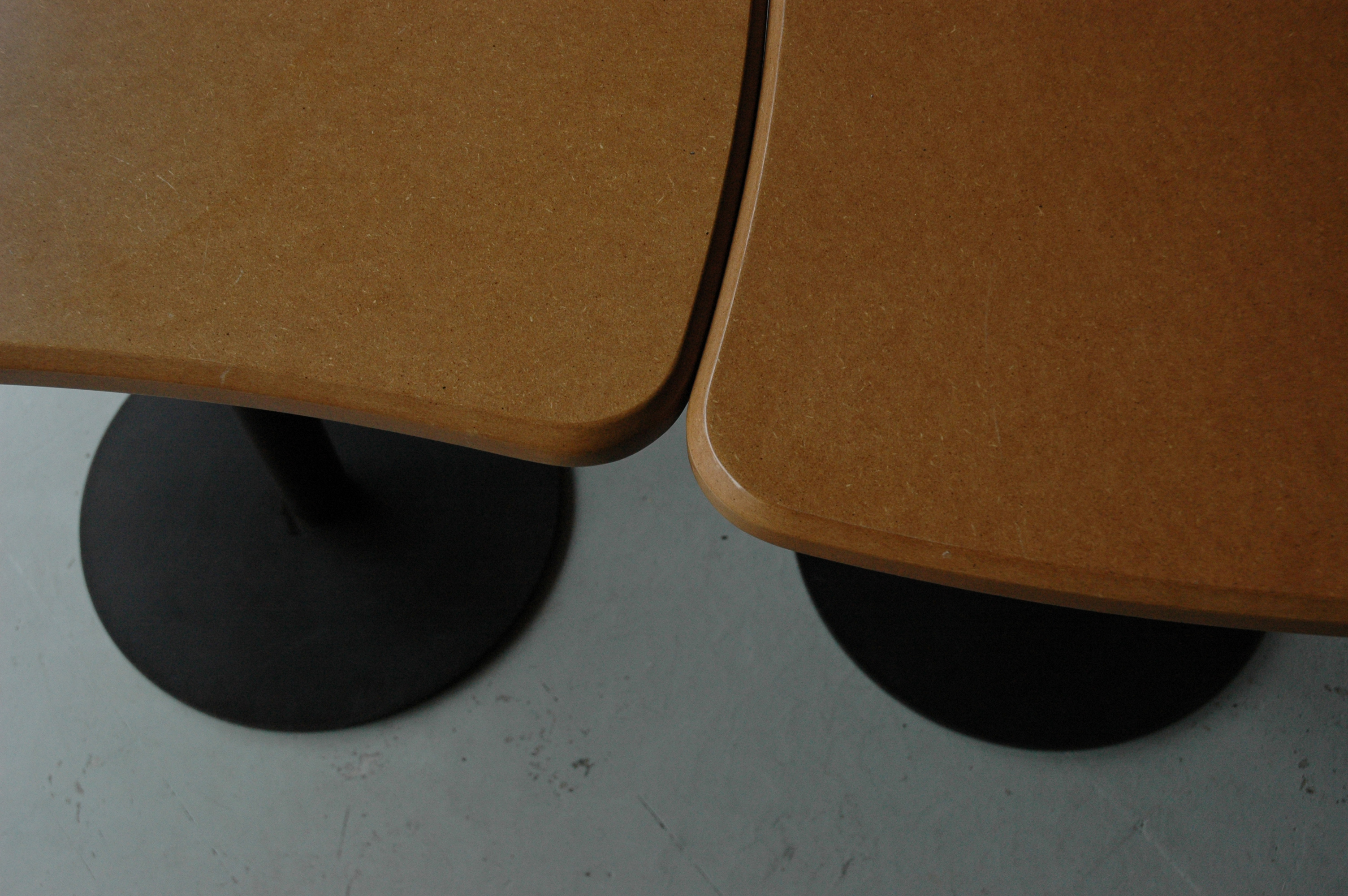 TABLE PAPILLON PLOUM