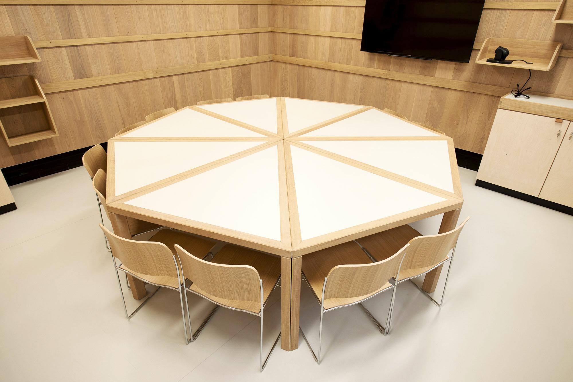 Table de réunion de la FPH
