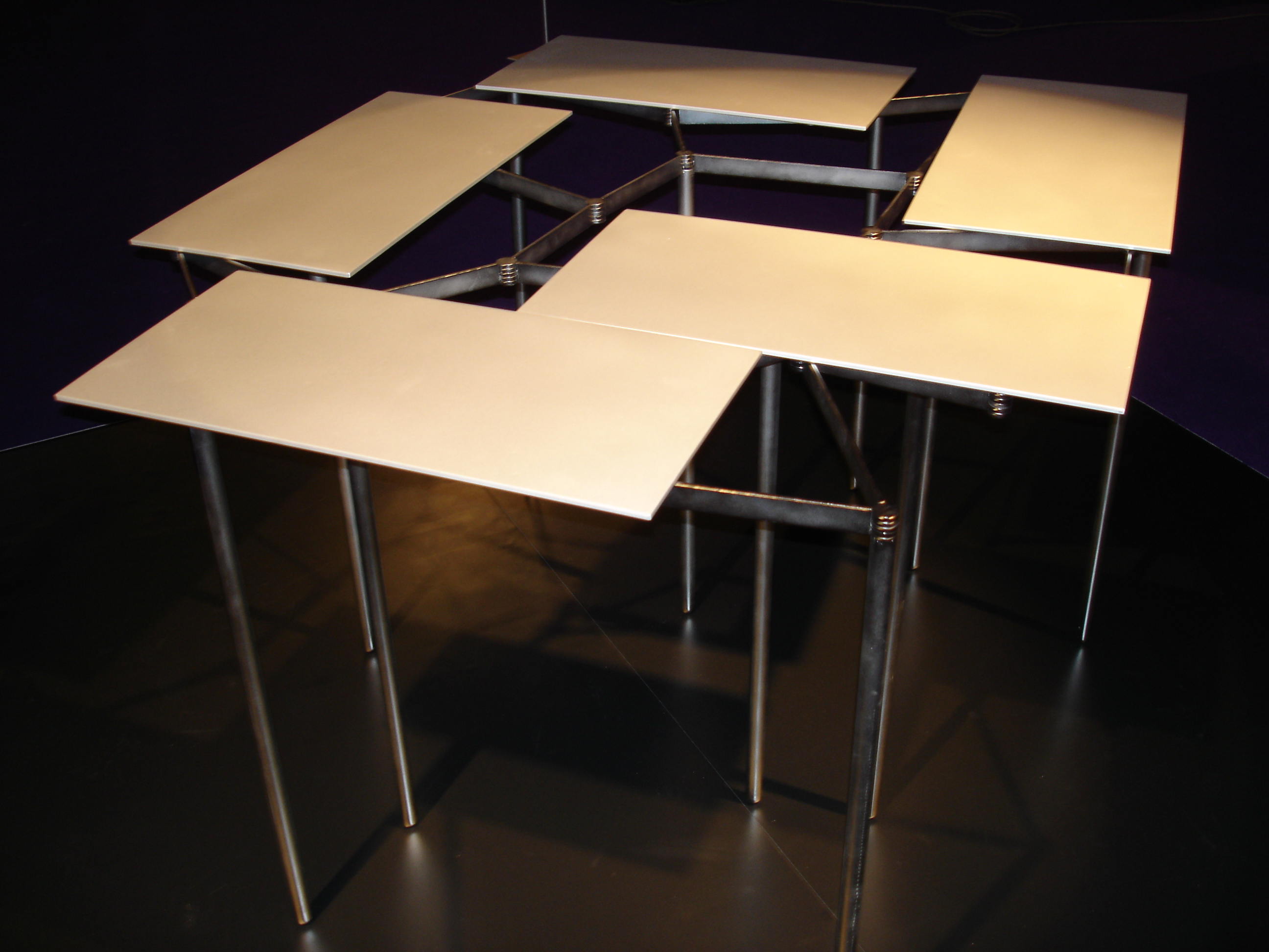 TABLE RENOUVEAU