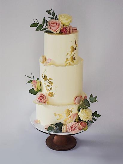 Wedding Cake Bath