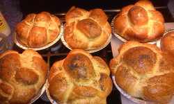Freshly baked challah rolls!
