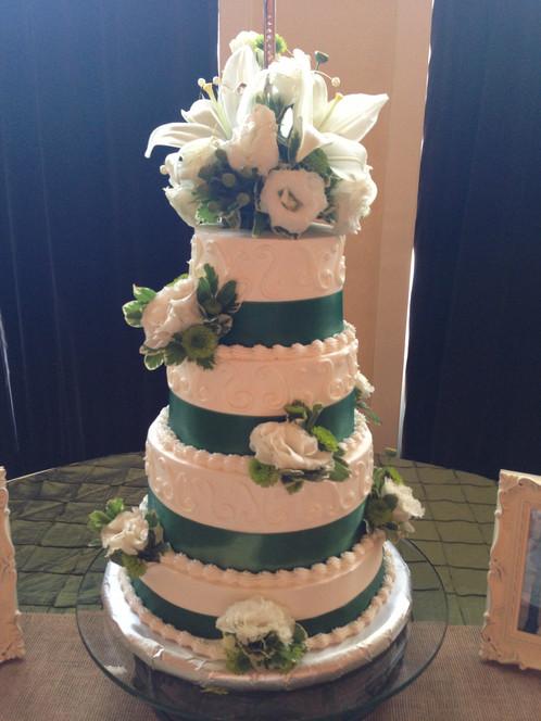 Round Glass Iron Bottom Cake Stand | Wedding Rentals | AR | A ...
