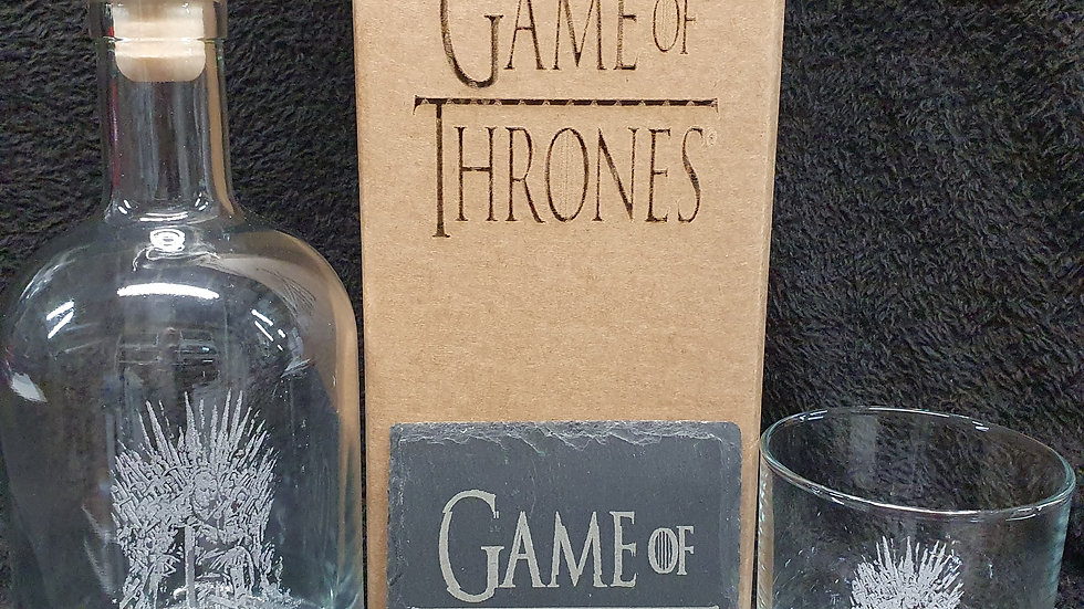 Game of Thrones decanter gift box set can be personalised