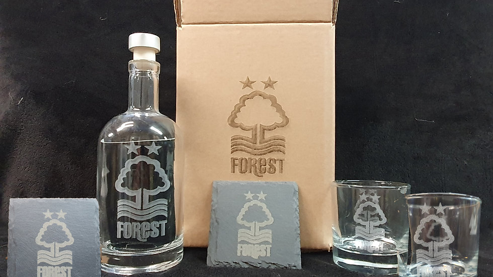 Your Football Club Decanter gift box set for 2  can be personalised gift box se