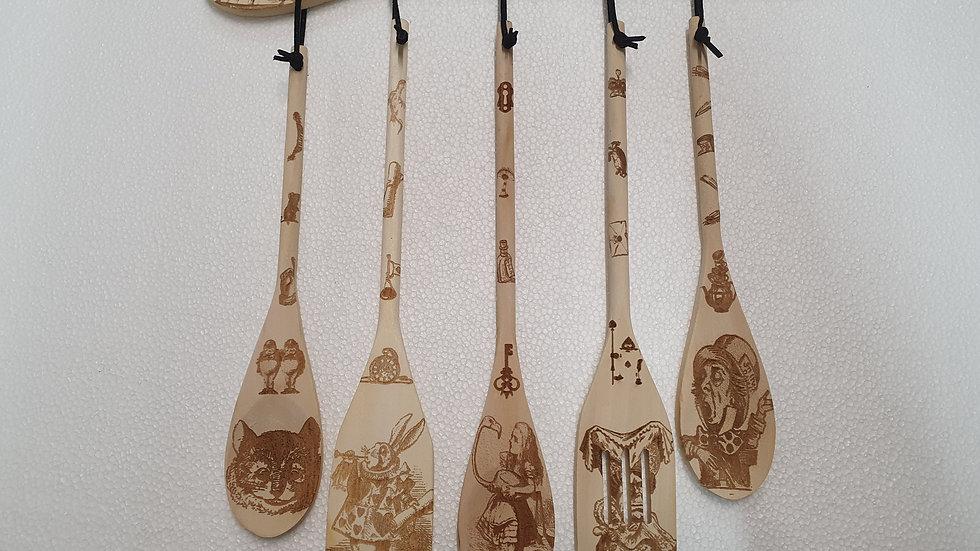 Alice's Adventures in Wonderland Wooden Spoon Set 5 piece