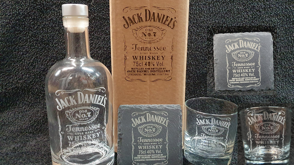 Jack Daniel's decanter gift box set for 2 can be personalised