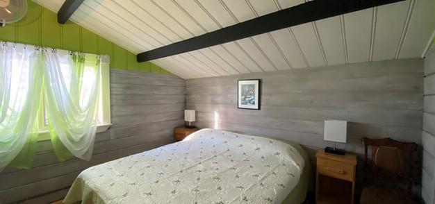 chalet chimo-bedroom1-1.jpg